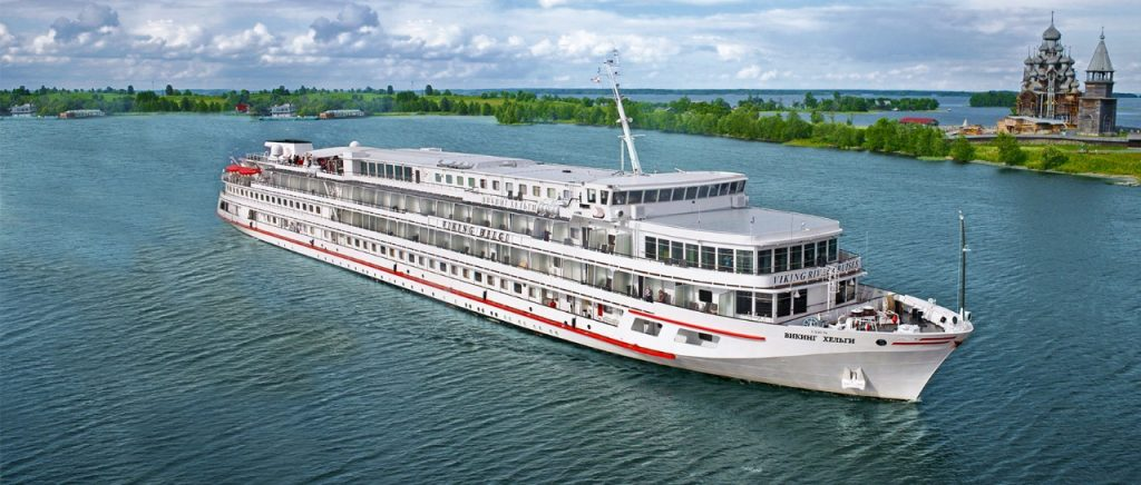 Kapal Pesiar Sungai - River Cruise Ship